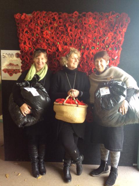 Lyn with Jacinta McCaskill Wareham and Chris Jenkins Hamilton LibraryBendigo Sheep Show 2014